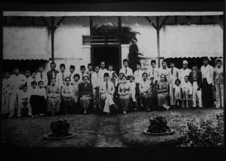 """""""...Masa Pembuangan Bung Karno dan Inggit Ganarsih di Ende Flores..."""" Photo By : Red NRMnews.com"""