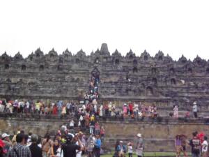 """""""..Wisatawan Pengunjung Candi Borobudur Magelang Jawa Tengah..."""" Photo By : Red NRMnews.com"""