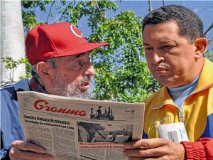 """""""…Dua Tokoh Pemimpin Kondang di Amerika Latin, Fidel Castro dari Kuba (kiri), bersama Presiden Hugo Chavez dari Venezuela (kanan).."""""""