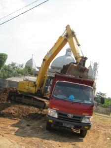 """""""...Ilustrasi Pembangunan Infrastruktur..."""" Photo By : Red. NRMnews.com"""
