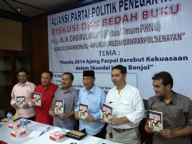 """""""...Para Pembicara Acara Diskusi Bedah Buku Skandal Imam Bonjol..."""" Foto By : Red NRMnews.com"""