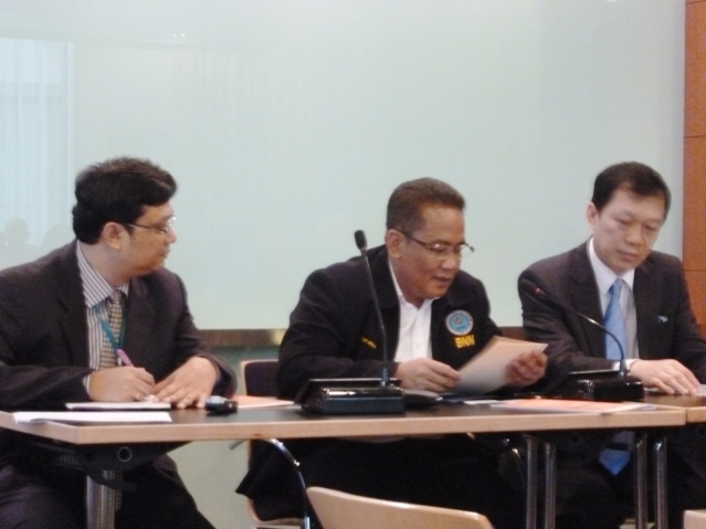 """...Pembicara Acara, Ketua BNN, Anang Iskandar (tengah), Mr.Leik Boowaat (pojok kanan), Deputy Regional Representative and Country Representative for Lao PDR, UNODC, serta Mr.Tun Nay Soe (pojok kiri), Programme Coordinator, Global SMART Programe East Asia, UNODC..."" Foto By : Red NRMnews.com"