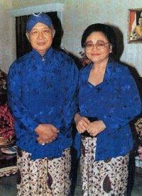 """...Presiden Kedua RI, HM.Soeharto dan ibu Negara, Tien Soeharto..."""