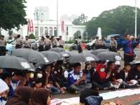 """...Ilustrasi Aksi Unjuk Rasa di Depan Istana Merdeka, Jakarta..."" Photo By : Red NRMnews.com"