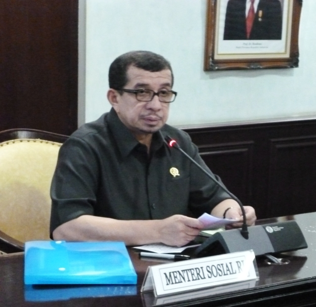 """...Menteri Sosial RI Salim Segaf Al Jufri..."" Photo By : Red NRMnews.com"