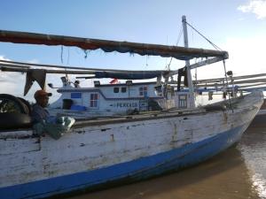 """...Sebelas ABK Korban Perompakan yang Terapung di Perairan Malaysia, Berhasil Diselamatkan Nelayan..."" Photo oleh : Red. NRMnews.com"