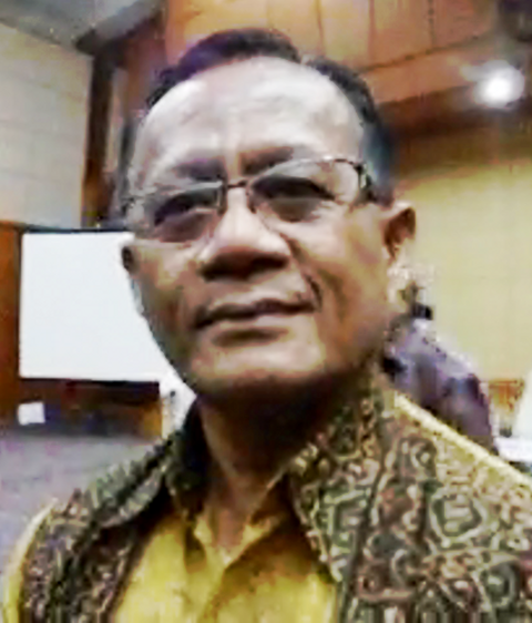 """""""...Bupati Ende, Don Bosco M. Wanggai,saat Memberikan Keterangan Persnya..."""" Photo By : Red NRMnews.com"""