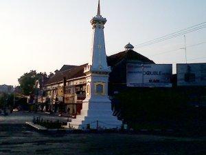 """""""...Tugu Kota Yogyakarta.."""" Photo By : Red NRMnews.com"""