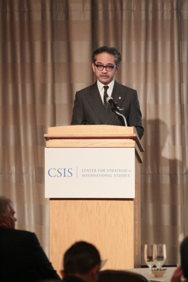 """...Menlu RI Marty Natalegawa, saat Menyampaikan Keynote Address di The Indonesia Conference @ CSIS, 16 Mei 2013..."" Photo By : Dit Infomed Kemenlu RI"