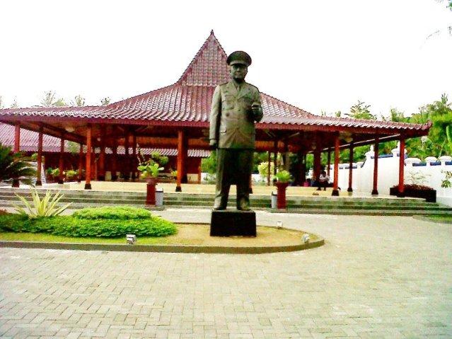 """...Museum Mantan Presiden II Republik Indonesia, HM Soeharto, di Dalem Kalitan Yogyakarta..."" Photo By : Red NRMnews.com"