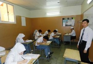 """""""...Aktifitas Guru Pengajar di Sekolah..."""" Photo By : Red. NRMnews.com"""
