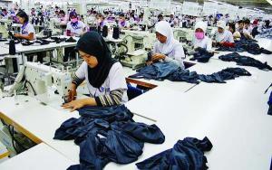 """...Ilustrasi Aktifitas Buruh Industri dan Perusahaan..."" Photo By : Red. NRMnews.com"