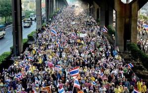 """""""...Ilustrasi Antusiasme Rakyat Thailand..."""""""