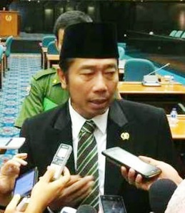 """...Wakil Ketua DPRD DKI Jakarta Abraham Lunggana (Hj. Lulung)..."""