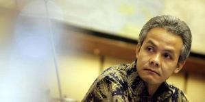 """""""...Gubernur Jawa Tengah ganjar Pranowo..."""""""