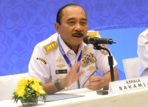 """""""...Kepala Badan Koordinasi Keamanan Laut RI, Ari Soedewo..."""""""