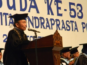"""...Rektor Unindra, Profesor Sumaryoto..."" Photo By : Red NRMnews.com"