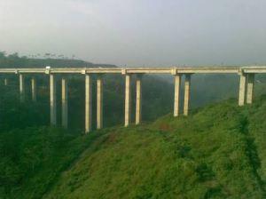 """""""...Jembatan Cisomang di Jaur Tol Purbaleunyi..."""""""
