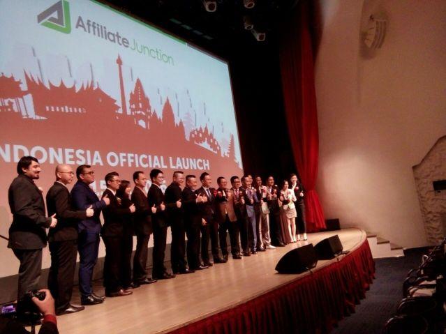 """...Jajaran Eksekutif iSYNERGY dalam Launching Affiliate Junction Indonesia..."" Photo By : Red NRMnews.com"