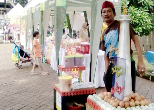 """...Para Peserta Festival Kuliner Khas Betawi di Setu Babakan, Jaksel..."" Photo By : Red NRMnews.com"