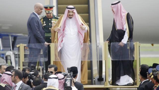 """""""...Kedatangan Raja Salman, di Bandara Halim Perdanakusuma, Jakarta..."""""""